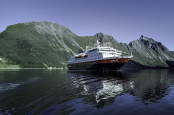 Hurtigruten_Hjorundfjord